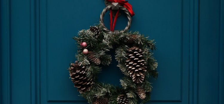 Come decorare porte e finestre a Natale